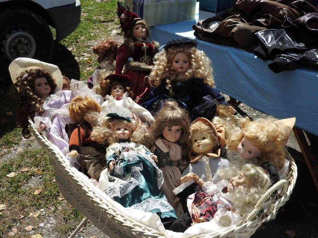 בובות בסלסילה בשוק שפשפים קרינתיה