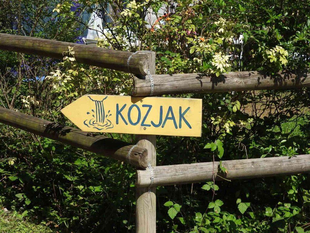 שלט הכוונה למפלי קוזיאק