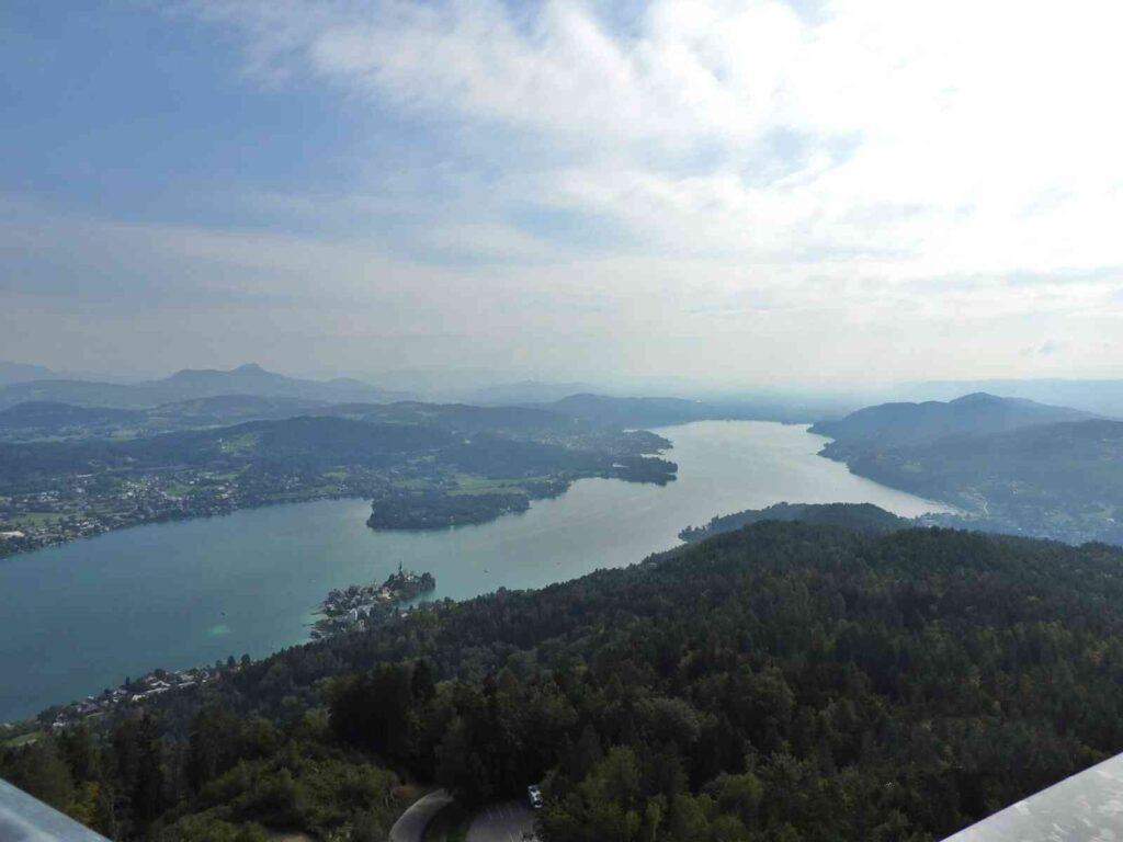 מראה הנוף ממרומי מגדל פרמידונקל